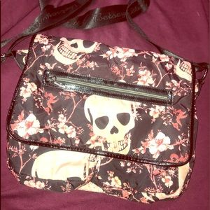 ☠️BETSY JOHNSON crossbody☠️